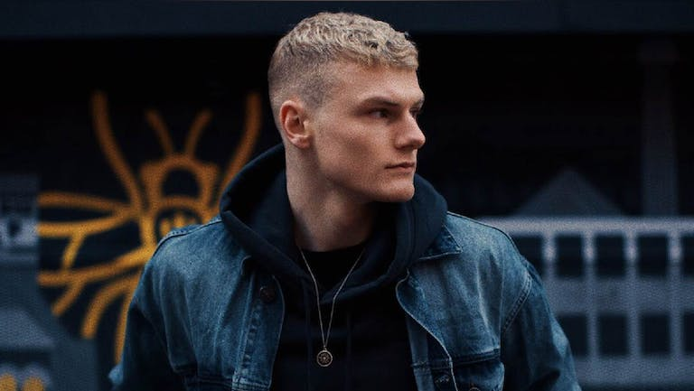 Tom Gibson | Manchester, The Bread Shed