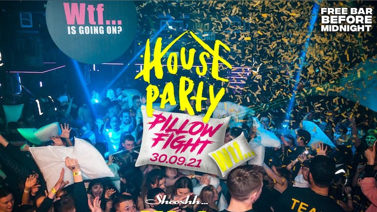 Wtf... FREE BAR Before Midnight 💥 House Party Pillow Fight 🛏